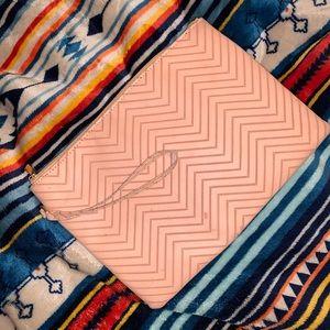 Handbags - 🥵HOT🥵 Blush Clutch